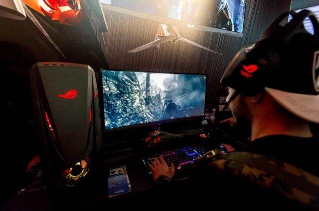Asus alla Gamesweek 2016 - Immagine 5