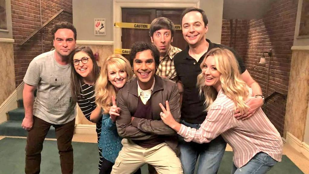 "Infinity lancia ""The Big Bang Theory Time Machine"""