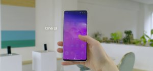 Samsung Galaxy S10 - Galaxy S10 all with yellow text O